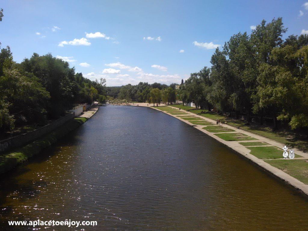 Искусственный бассейн в реке Мина Клаверо
